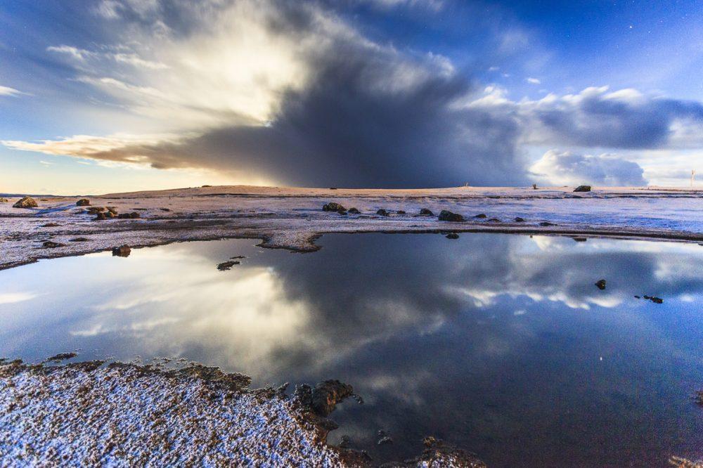 Vollmond hinter Wolke, Eshaness, Shetland