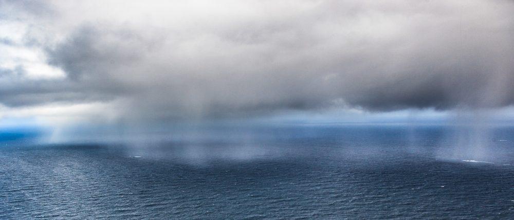 Regen, Vaeroy, Lofoten, Norwegen