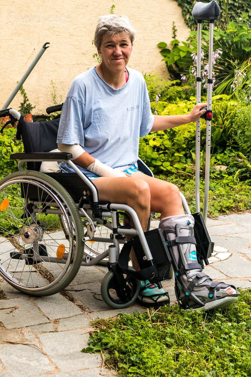 Nicht an Krücken laufen können ist anstrengend