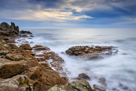 Langzeitbelichtung an der Felsenküste, Lesconil, Bretagne