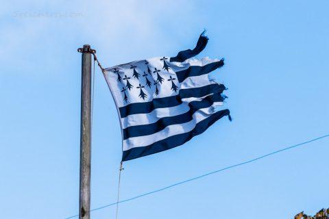 Breizh-Flagge im Wind