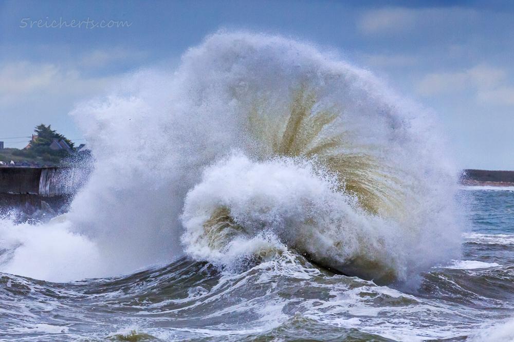 Aufgefächert, Welle in Lesconil