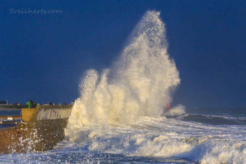 Regenwetter und Abendsonne - so macht Wellenfotografie Spaß